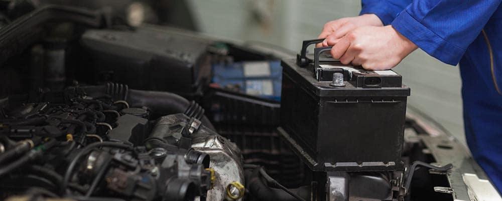 Bảo trì bình ắc quy ô tô thường xuyên