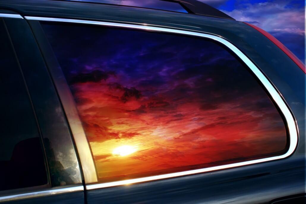 Dán film chống nóng kính ô tô là giải pháp hiệu quả và an toàn